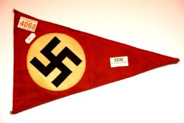 German WWII type pennant, L: 36 cm. P&P Group 1 (£14+VAT for the first lot and £1+VAT for subsequent