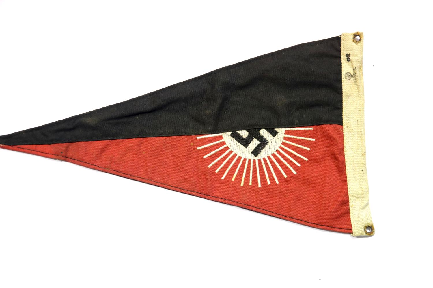 Lot 3016 - German Third Reich type Deutsches Youth pennant, L: 30 cm. P&P Group 1 (£14+VAT for the first lot