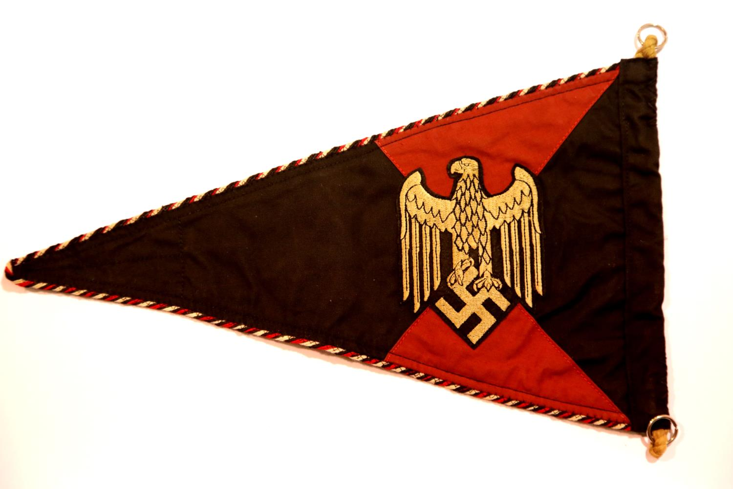 Lot 3020 - German WWII type Panzer pennant, L: 38 cm. P&P Group 1 (£14+VAT for the first lot and £1+VAT for