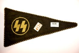 German SS type pennant, L: 34 cm. P&P Group 1 (£14+VAT for the first lot and £1+VAT for subsequent