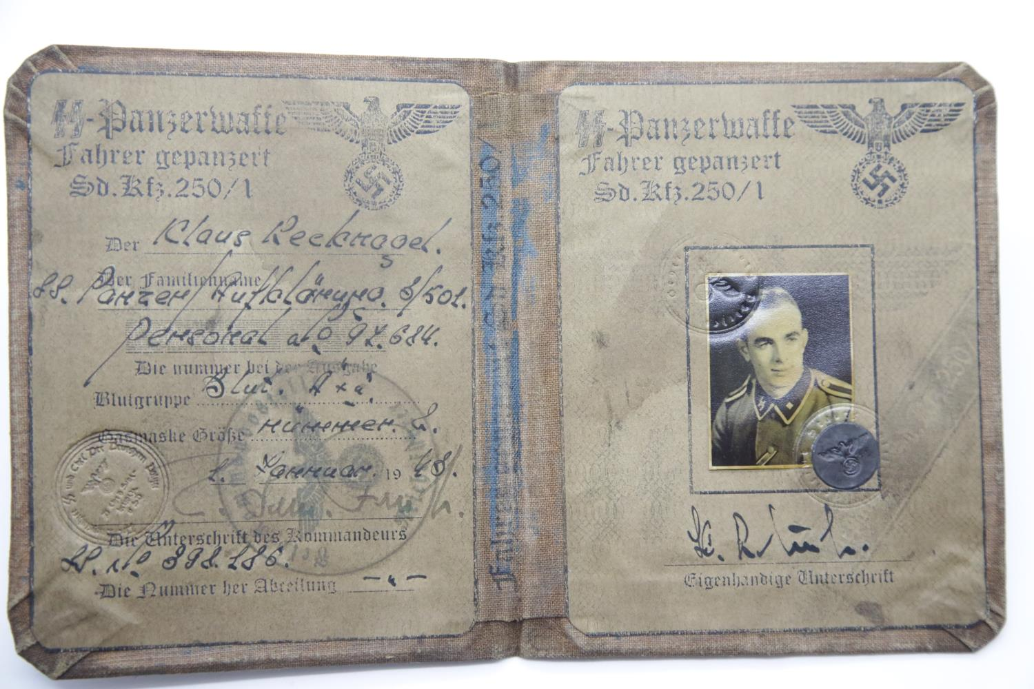 Lot 3047 - German SS type canvas covered identity book. P&P Group 1 (£14+VAT for the first lot and £1+VAT for