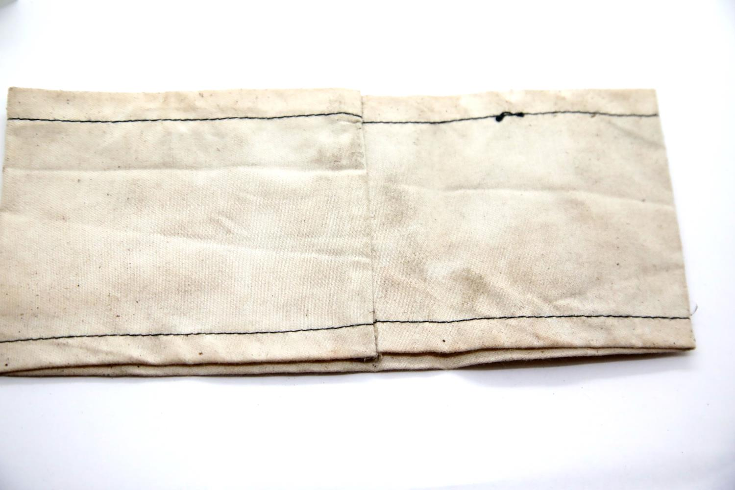 Lot 3057 - WWII type Jewish concentration camp Jood armband. P&P Group 1 (£14+VAT for the first lot and £1+
