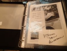 Folder of Richard Dean Anderson related photographs and signatures, no provenance. P&P Group 2 (£