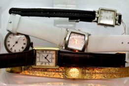 5 ladies watches, 1 vintage, 3 with new batteries. P&P Group 1 (£14+VAT for the first lot and £1+VAT