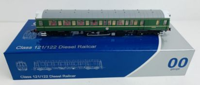Dapol 4D-009-002 Class 121 Bubble Car BR Green - Boxed. P&P Group 1 (£14+VAT for the first lot