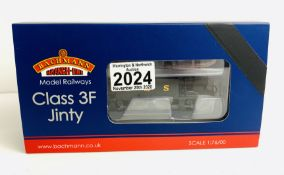 Bachmann 32-227 Fowler Class 3F Jinty LMS Black - Boxed. P&P Group 1 (£14+VAT for the first lot