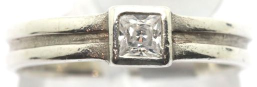 Ladies silver 925 princess cut solitaire ring, size M, 2.0g. P&P Group 1 (£14+VAT for the first lot