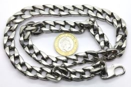 Gents heavy white metal neck chain, L: 50 cm. P&P Group 1 (£14+VAT for the first lot and £1+VAT