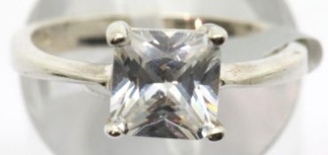 Ladies 925 silver princess cut solitaire ring, size N. P&P Group 1 (£14+VAT for the first lot and £