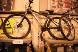 "Gents Carrera 6061 T6 Vulcan 24 speed trail bike with 18"" frame. Not available for in-house P&P"