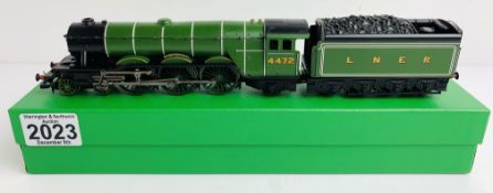 Hornby (China) LNER 'Flying Scotsman' 4472 Loco - Supplied in Custom Leatherette Green Box P&P Group