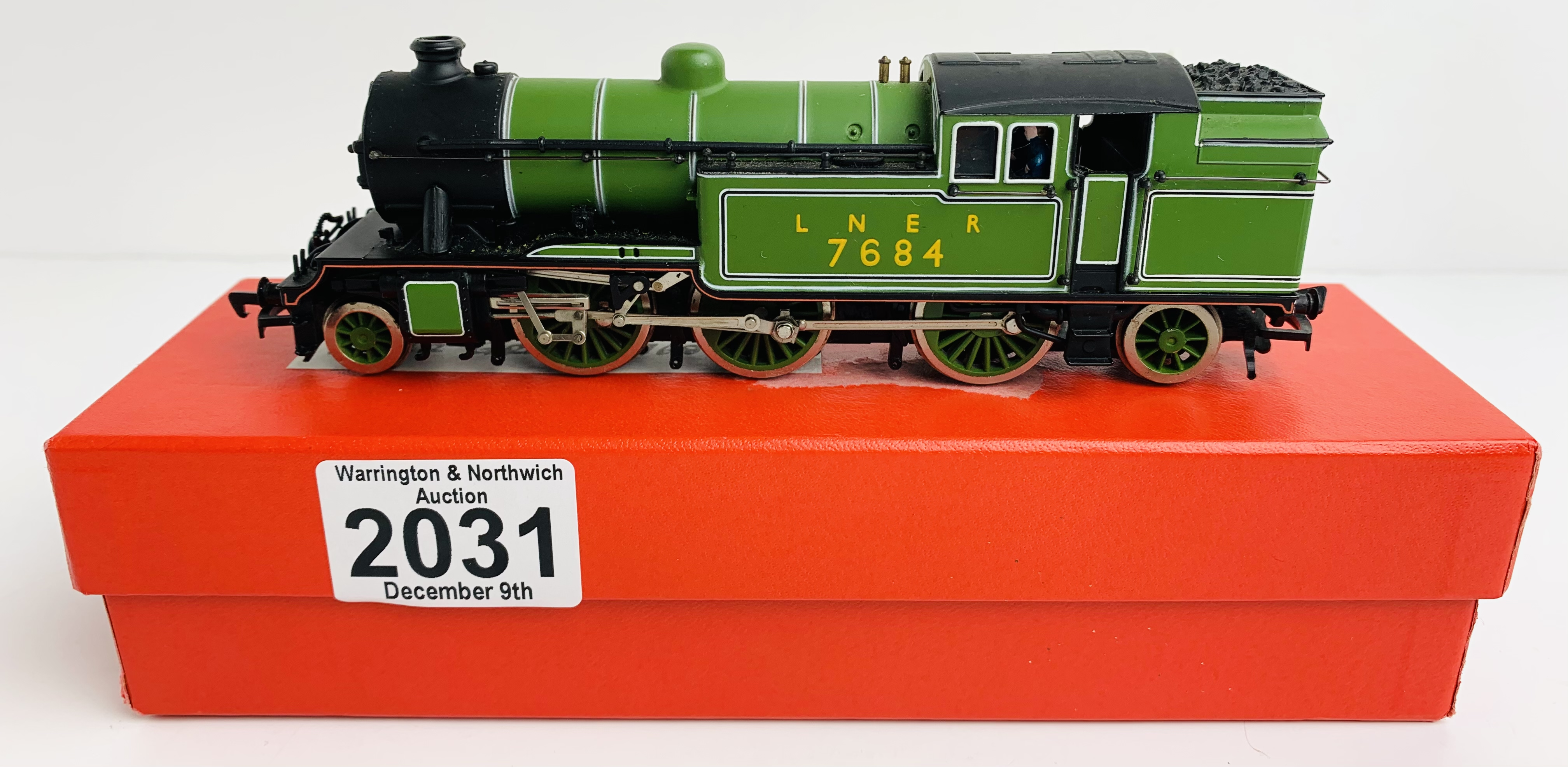 Bachmann V1 2-6-2T LNER Green Loco - Supplied in Custom Red Leatherette Box P&P Group 1 (£14+VAT for