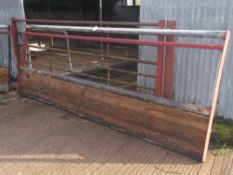 FEED BARRIER/GATE