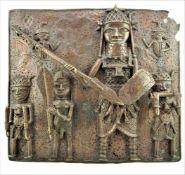 Benin BronzereliefMehrfiguriges Bronzerelief aus Benin, Westafrika. Patina. Ausbrüche. 8,15kg. H.