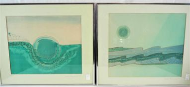 Paar Kunst auf SeideZwei, wohl auf Seide gemalte abstrakte Darstellungen. Beide signiert auf dem