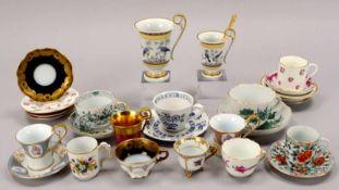Sammeltassen-Konvolut, verschiedene Manufakturen, 14 Stück/davon 3x Meissen, 4x Kaiser-Porzellan, 1x