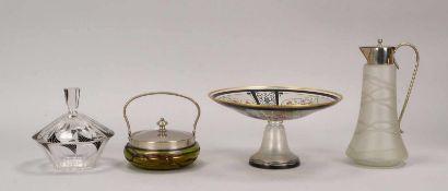 Kleines Glas-Konvolut (Jugendstil/Art déco), 4 Teile: 1 Kanne, 1 Henkelschale, 1 Tischaufsatzschale,