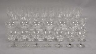 Gläser-Konvolut, 38 Stück: 6x Champagnergläser, 11x Sektgläser, 9x Likörgläser, 12x