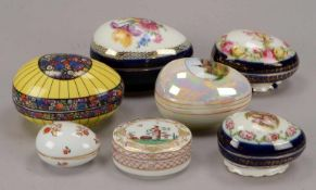 Kleines Deckeldosen-Konvolut, Porzellan, unterschiedliche Ausführungen, 7 Stück/davon 6x ovoide