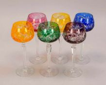 """Satz Weinrömer, geschliffenes Glas, verschiedenfarbig, 6 Stück; Höhe 19,5 cm"""""""""""""""""""