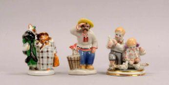 Kleines Porzellanfiguren-Konvolut (Russland), 3 Teile, jeweils polychrom staffiert und teils mit