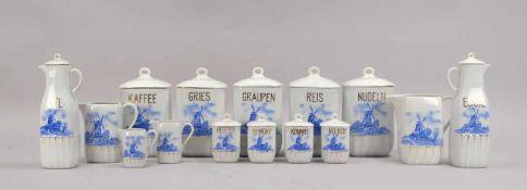 Küchen-Vorratsgefäße, Porzellan, holländisches Dekor, goldstaffiert, 15 Stück: