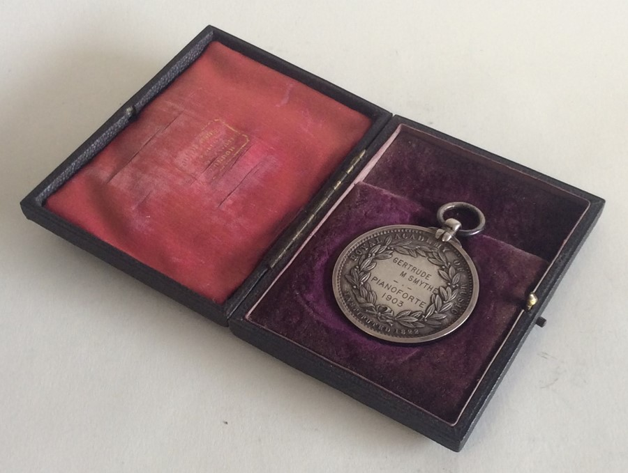 Lot 15 - A Royal Academy cased silver medallion in fitted b