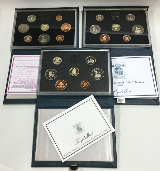 Lot 44 - A cased Royal Mint 1988 proof coin collection toge