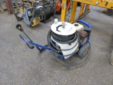 Petrol engine pressure washer with hose and lance (E321287)