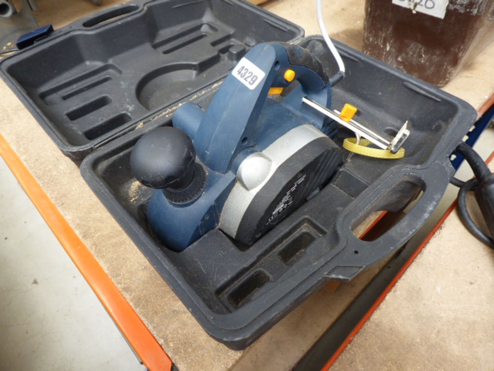 Lot 4329 - Electric planer