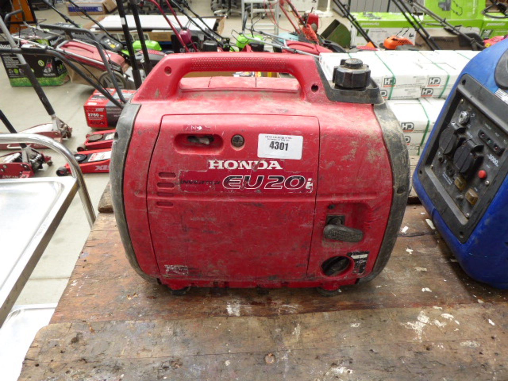 Lot 4301 - Honda EU20i petrol powered generator