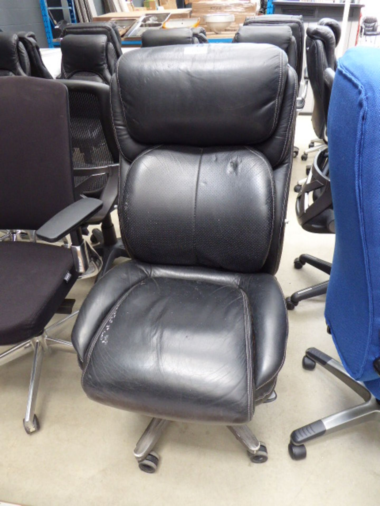 Lot 4231 - Black high back swivel chair no arms