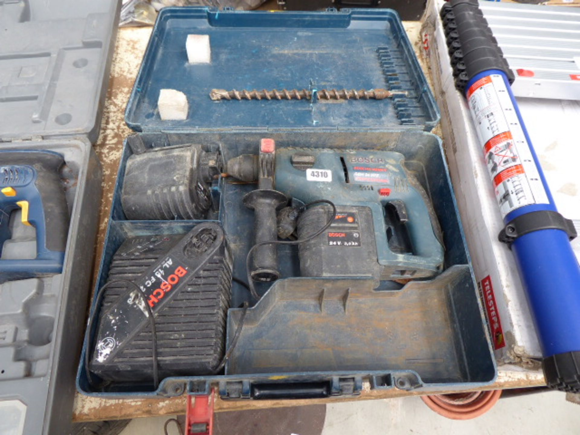 Lot 4310 - Bosch 24v battery drill with 2 batteries and charger