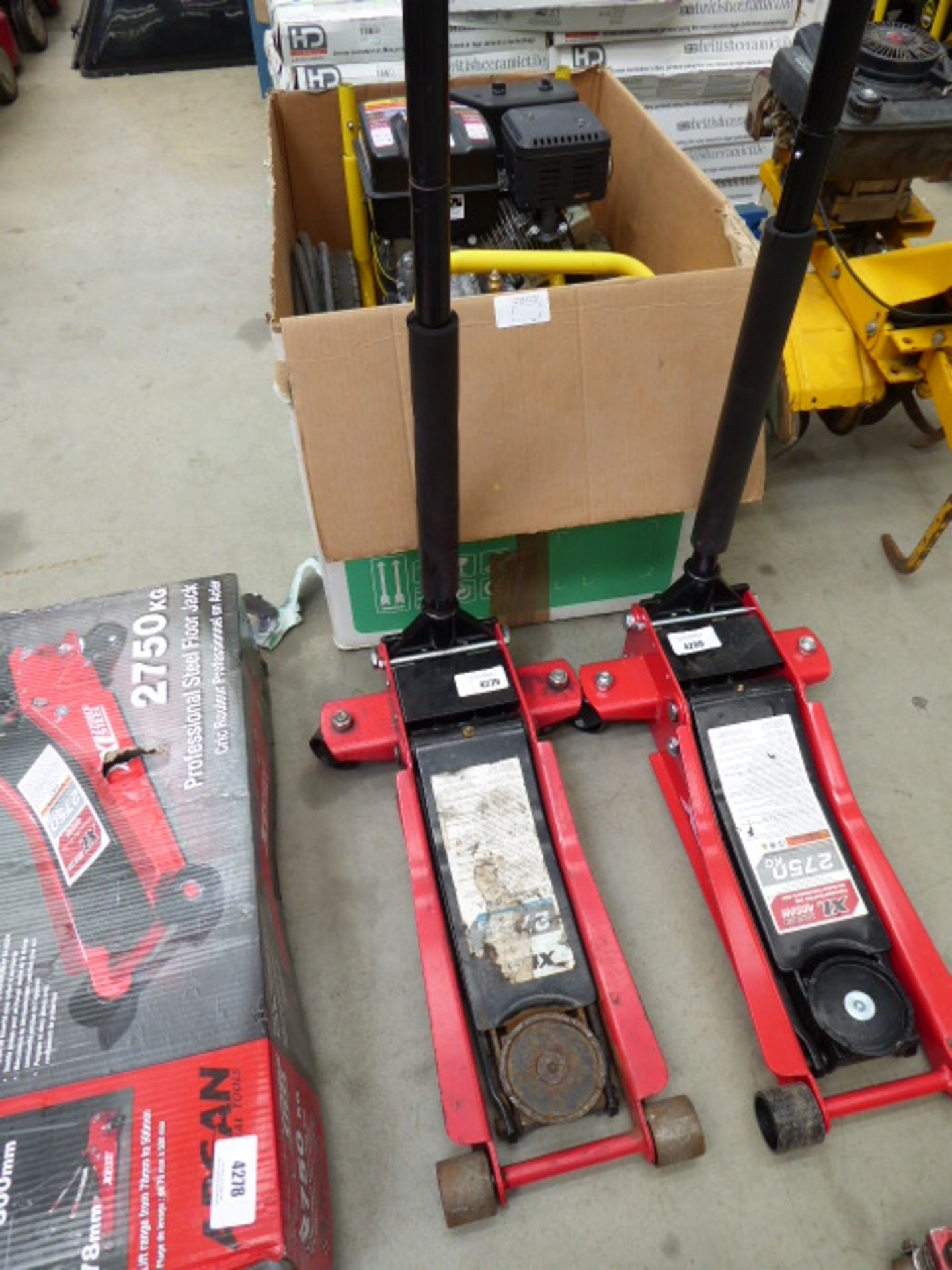 Lot 4279 - Unboxed Arcan trolley jack