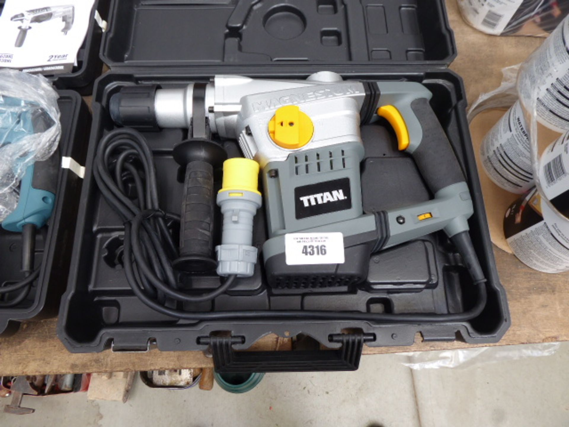 Lot 4316 - Titan Magnesium 110v breaker