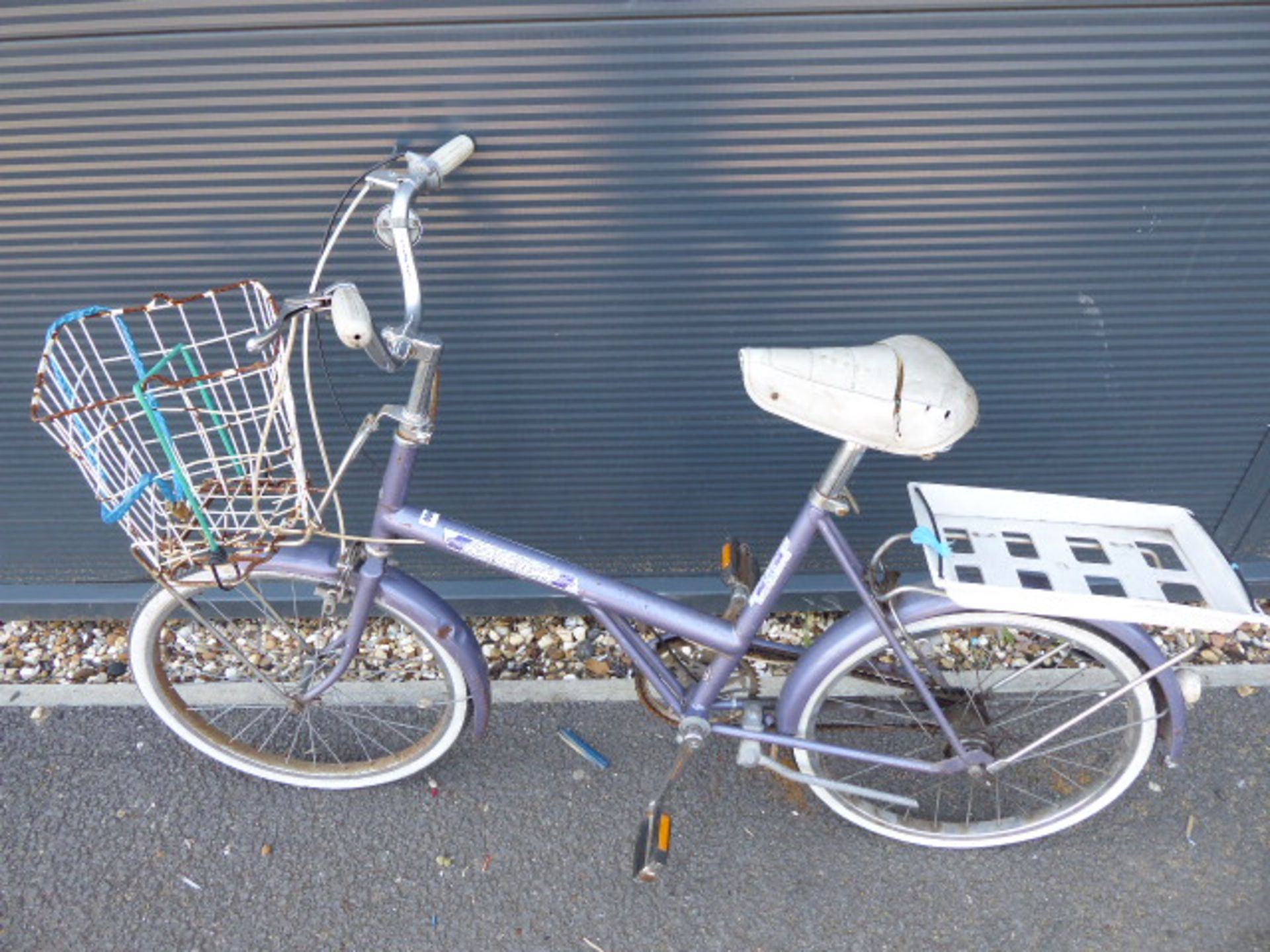 Lot 4046 - Purple Raleigh shopper style cycle