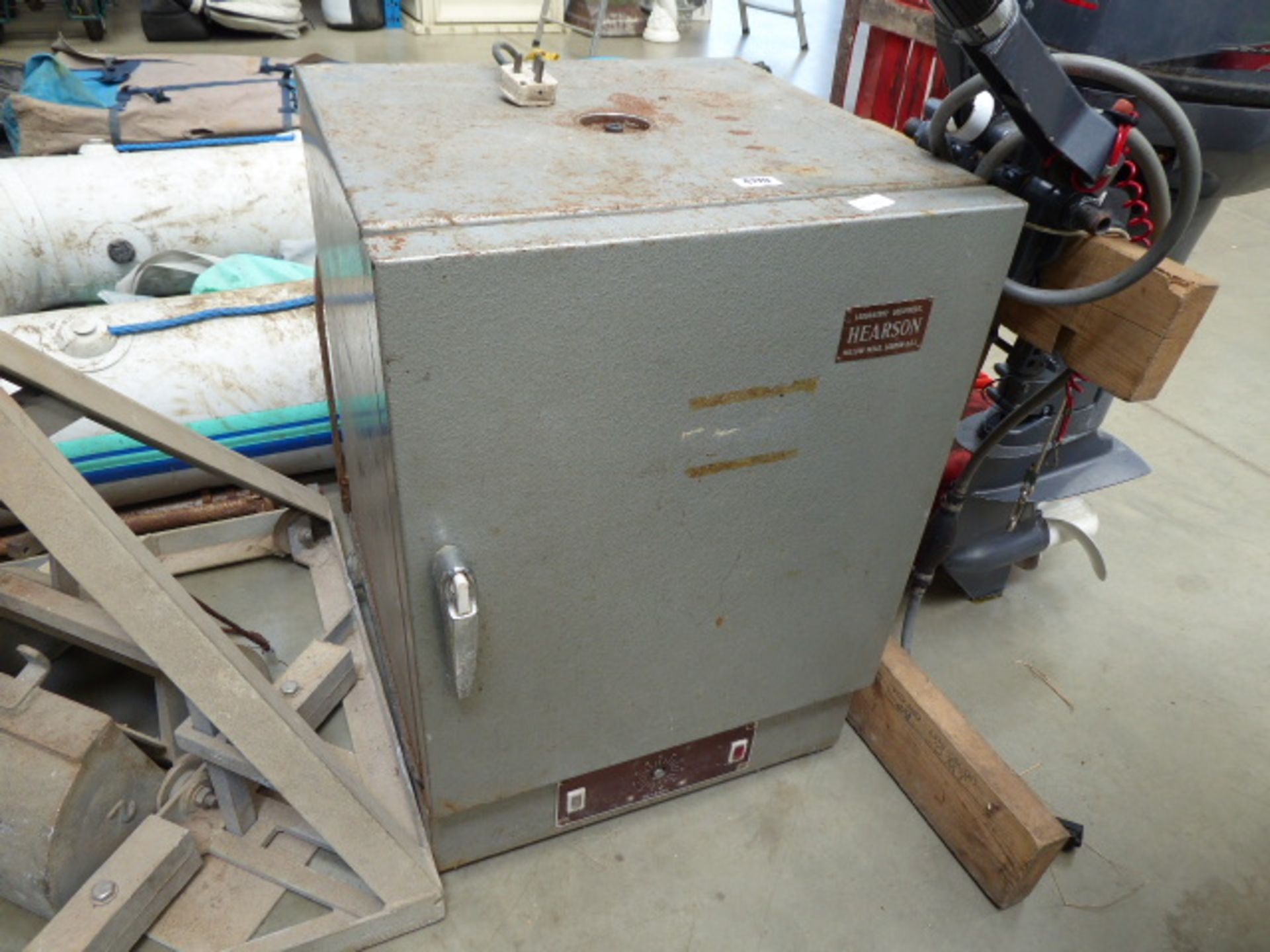 Lot 4170 - Hearson drying oven.