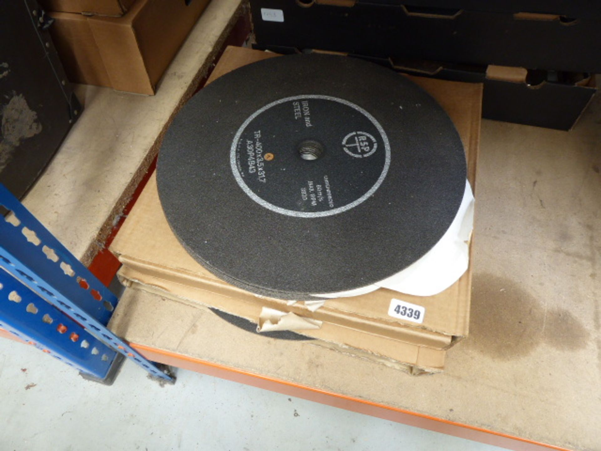 Lot 4339 - 3 boxes of cutting discs