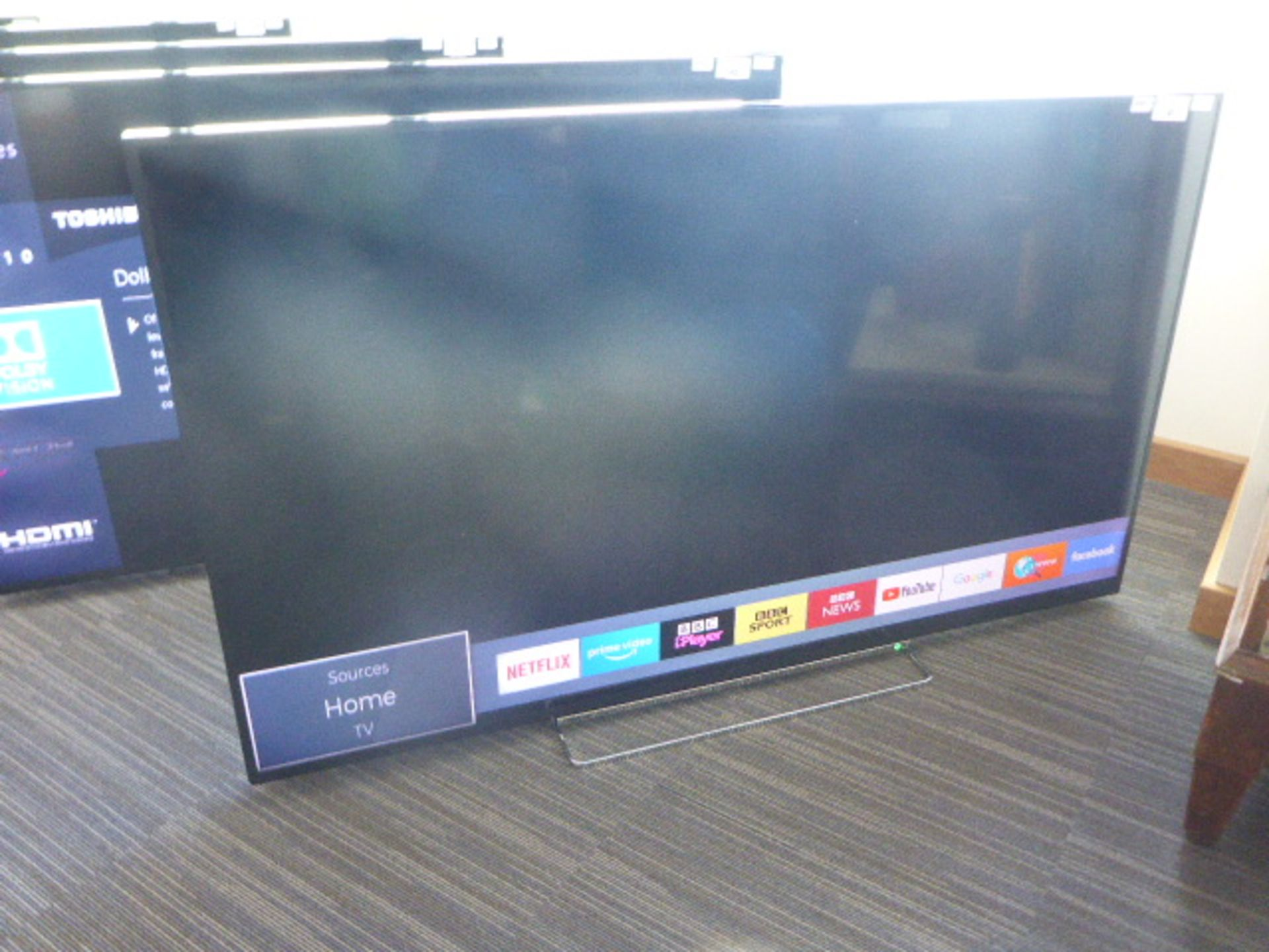 (R56) Toshiba 65'' TV model number 65VL5A63DB with remote and box B103