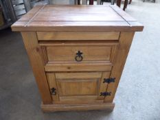 Small domestic type side cabinet