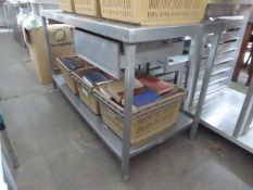 150cm stainless steel preparation table with a shelf under