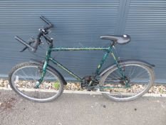 Green Raleigh gents mountain cycle
