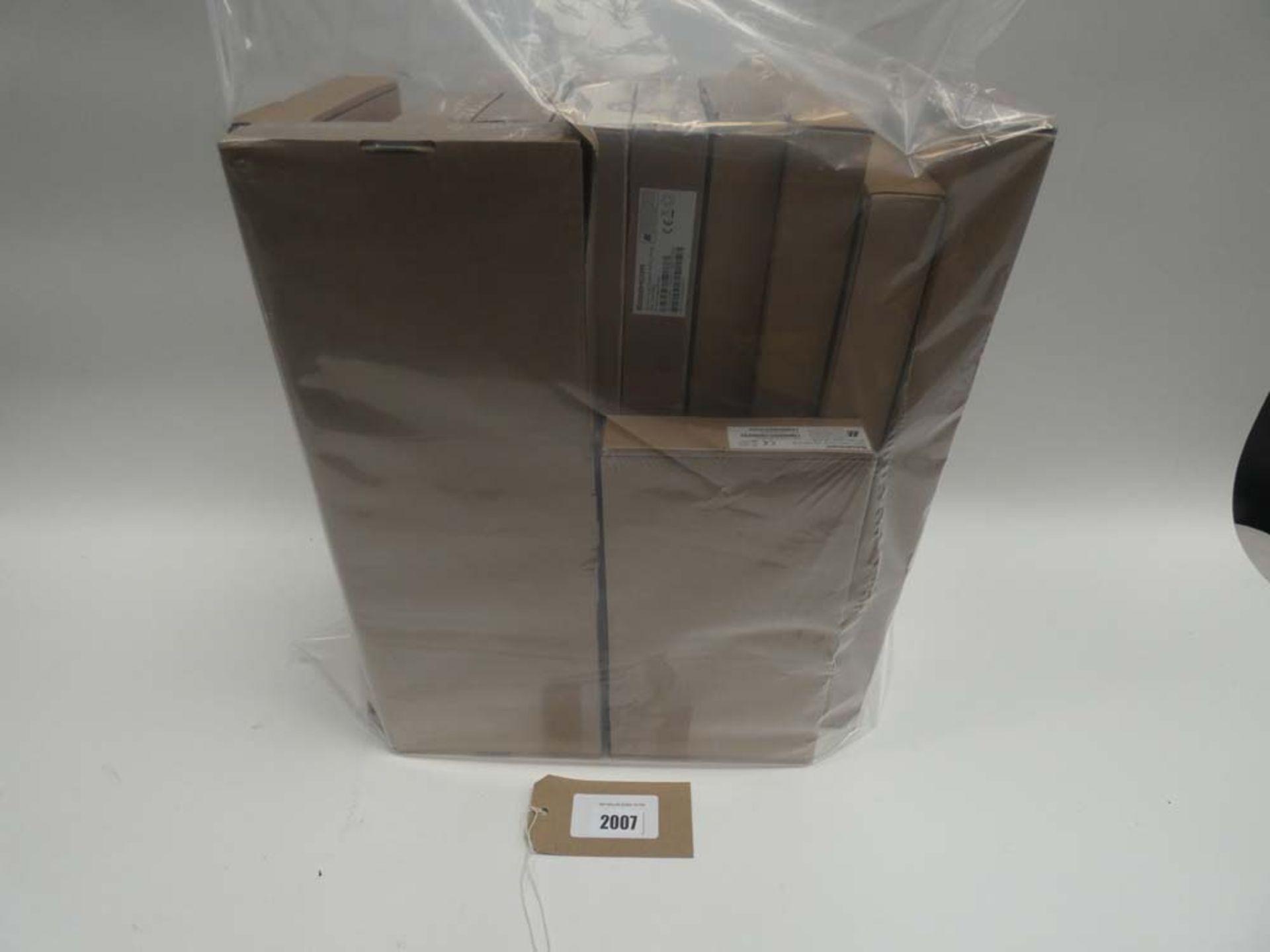 Lot 2007 - Bag containing quantity of Sagecom routers