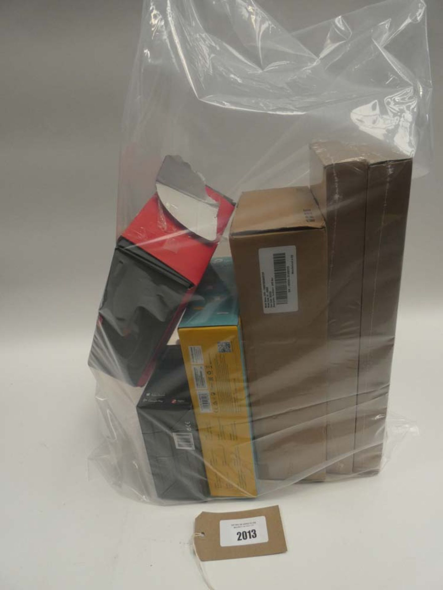 Lot 2013 - Bag containing quantity of various wireless devices