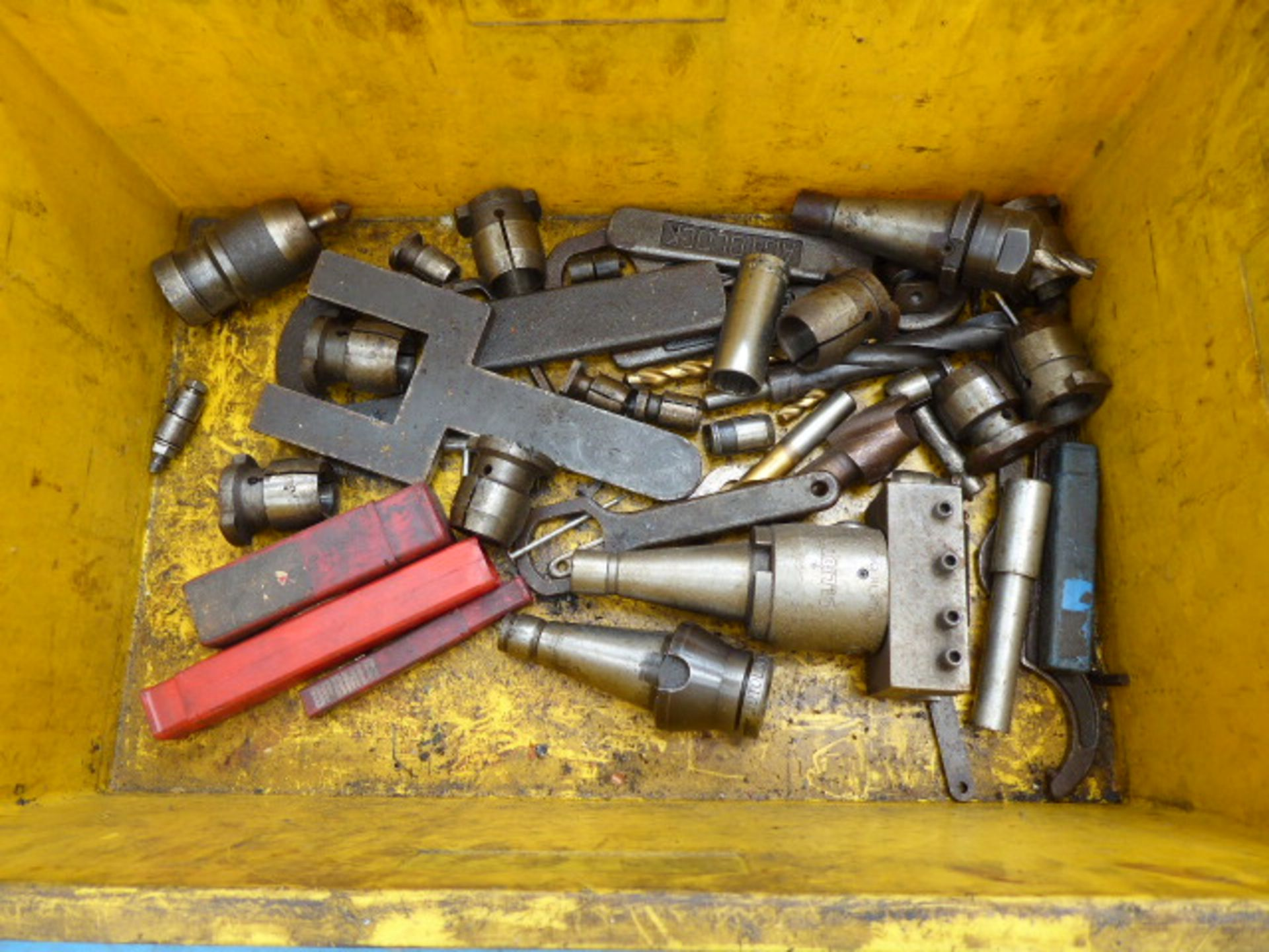 Lot 4712 - Large crate of machine tooling