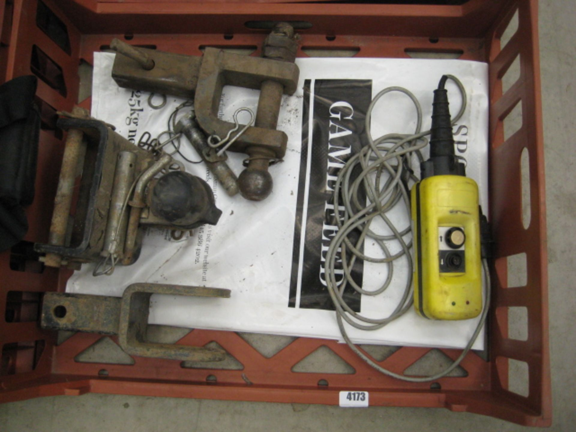 Lot 4173 - 3 tow hitches and winch control unit