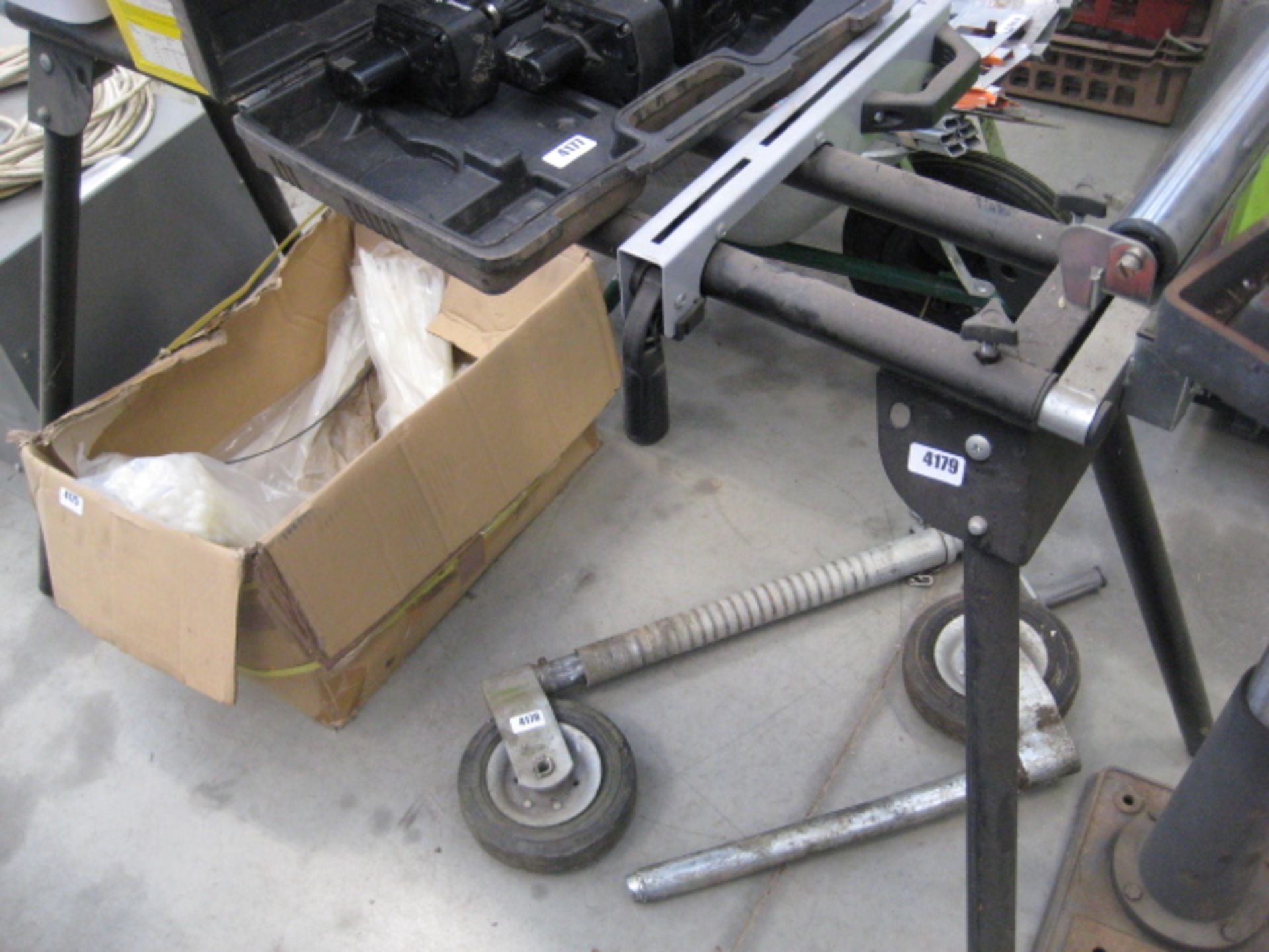 Lot 4179 - Roller bench