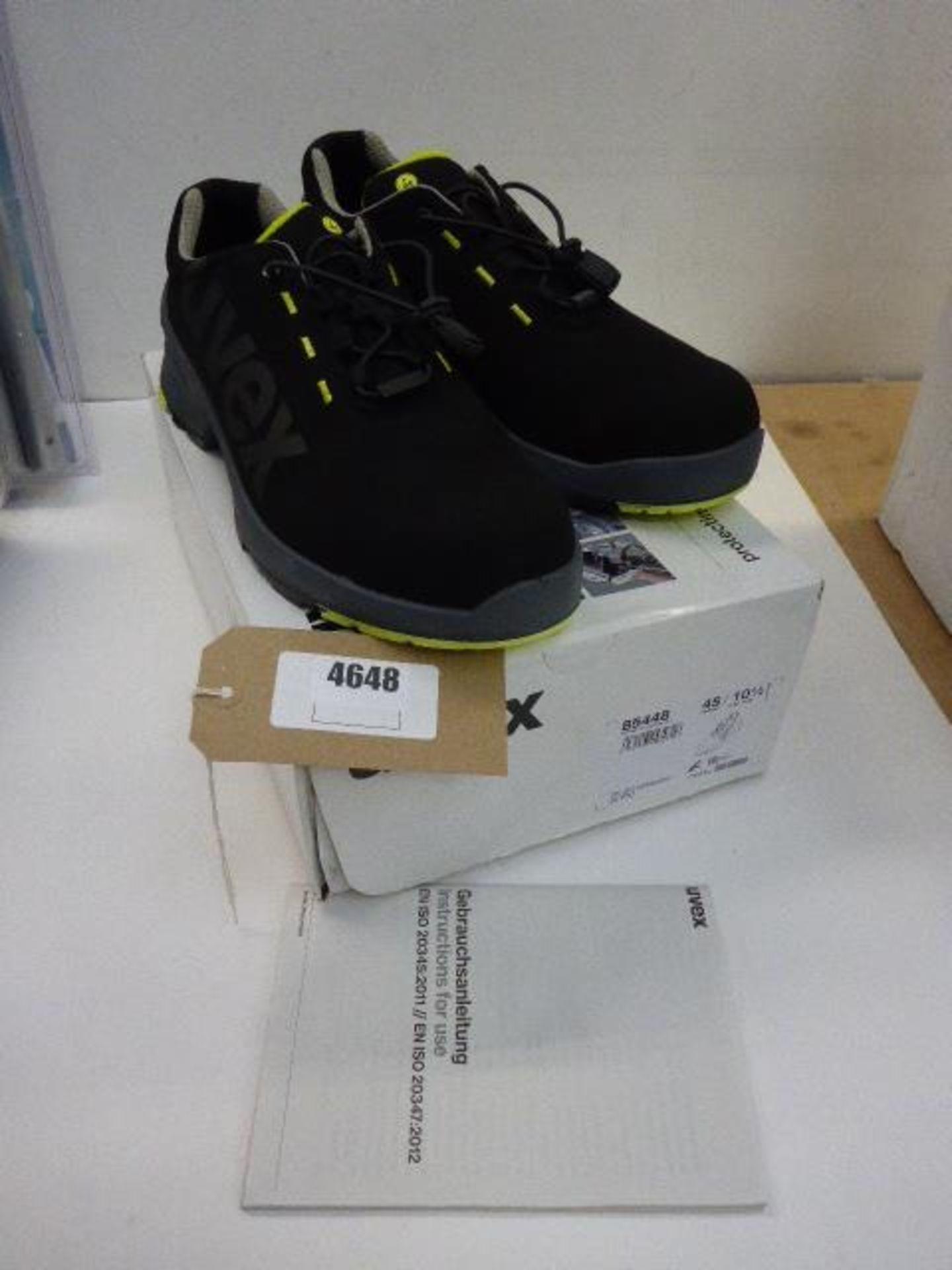 Lot 4648 - Uvex men's safety shoes Size 10.5