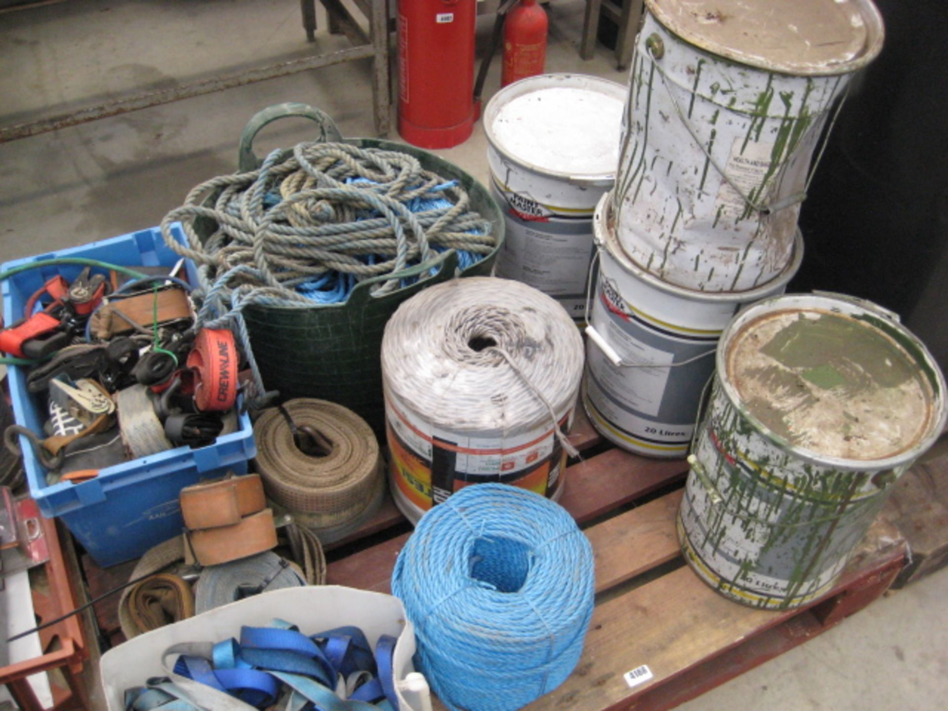 Lot 4188 - Pallet containing a large quantity of rope, ratchet straps and tie down straps together with 4