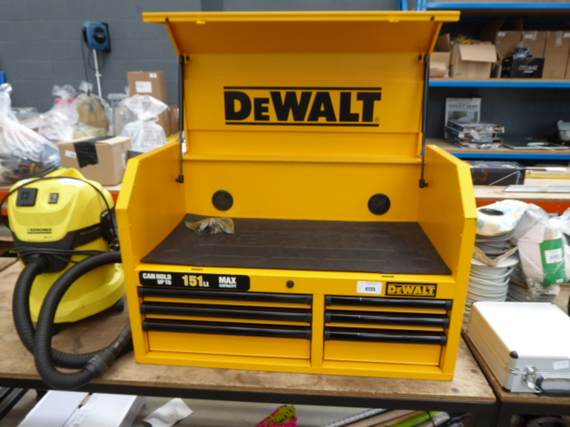 Lot 4725 - Large 151 litre DeWalt yellow toolbox with drawers